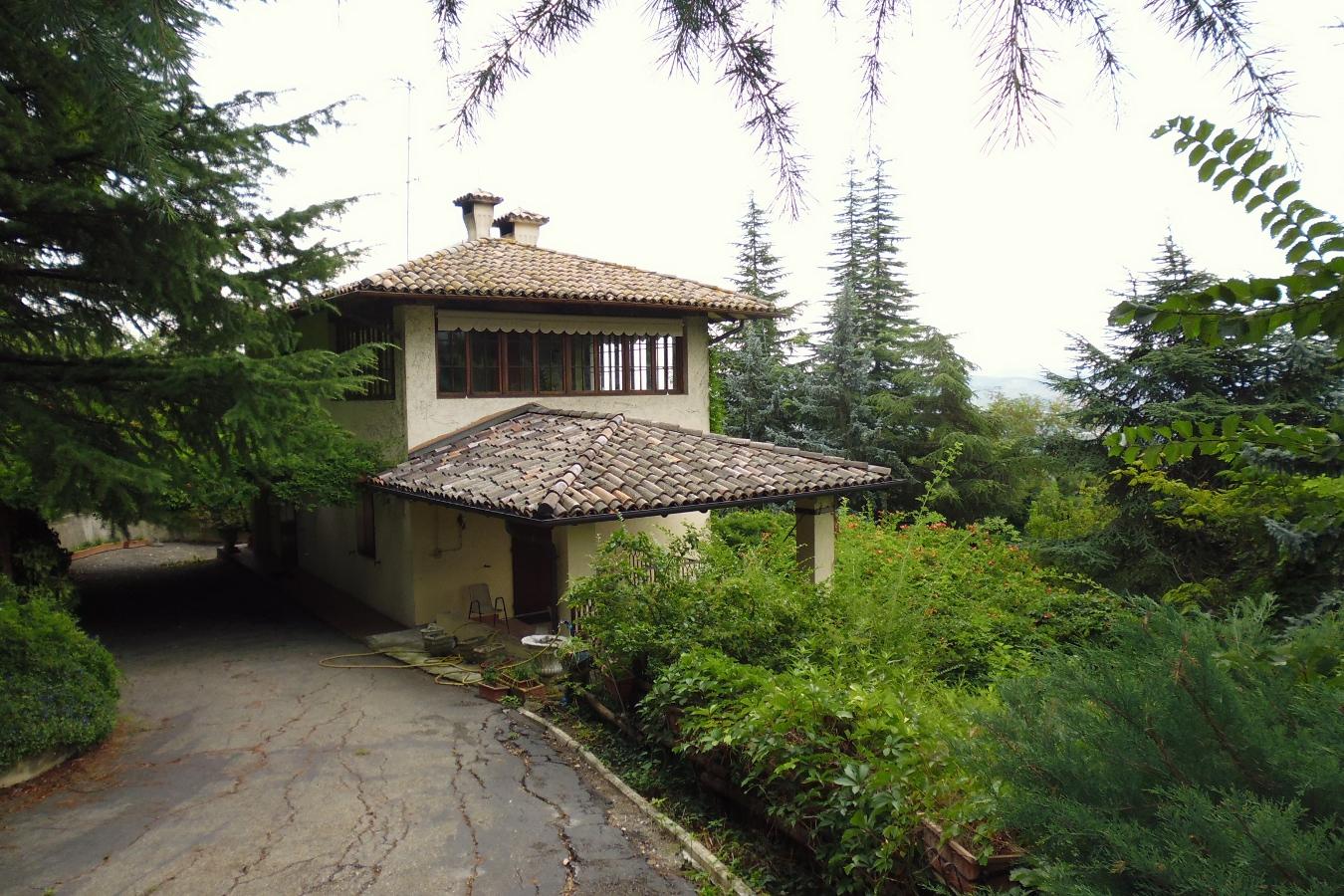 Reggiani immobiliare casa castello di torrechiara for Castello come piani di casa